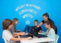 Már Kaposváron is programozni tanít a jövő iskolája: világelső a magyar Logiscool