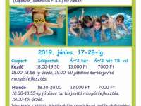 Intenzív úszás a Vadvirág Alapítványnál